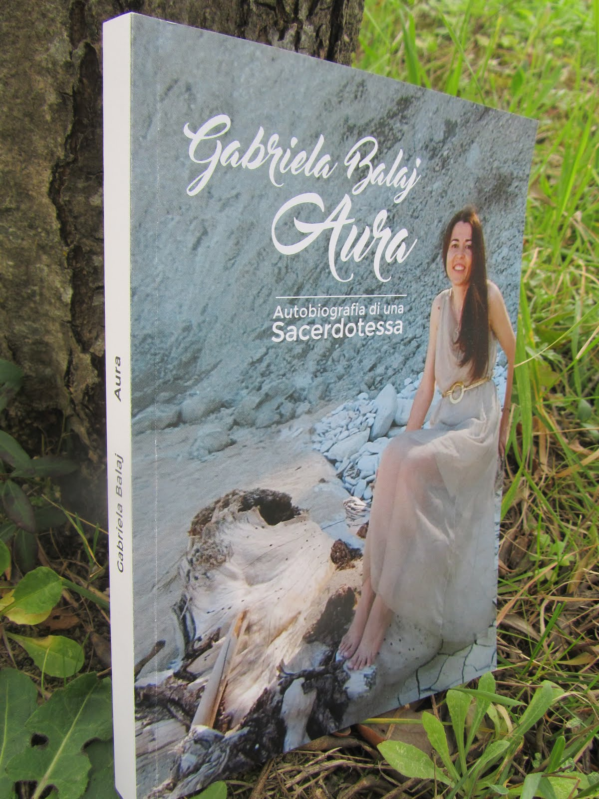 """Aura. Autobiografia di una Sacerdotessa"""