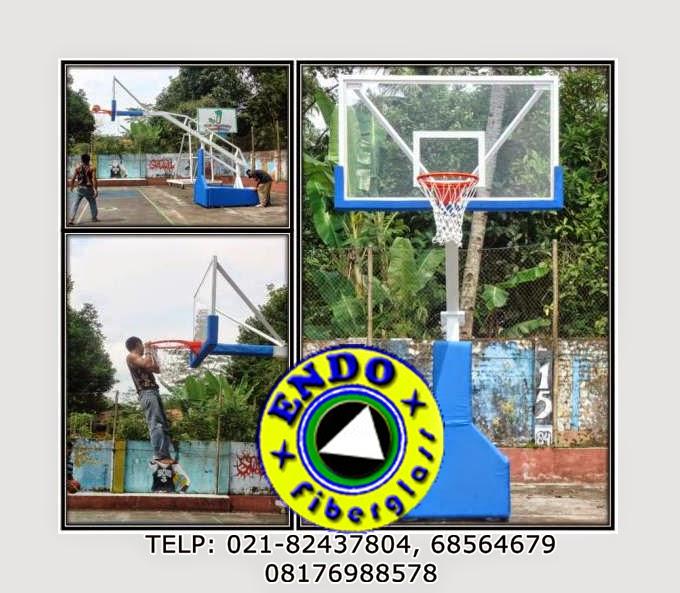 Papan Basket Acrylic dengan ukuran standart NBA yaitu 105 cm X 180 cm