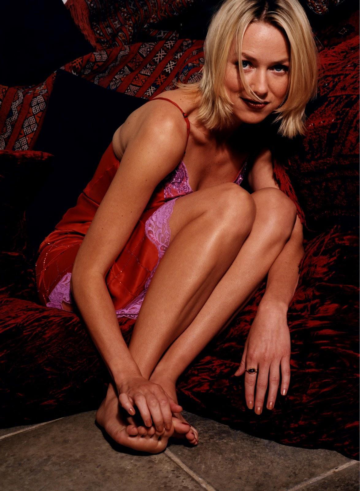 http://3.bp.blogspot.com/-71Fk43WjGqU/T_RQfDOVAHI/AAAAAAAACa0/Xep8ZLKBA3Q/s1600/Naomi-Watts-Feet-65068.jpg