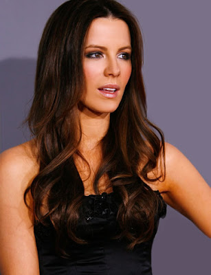 Kate Beckinsale Looking Cute