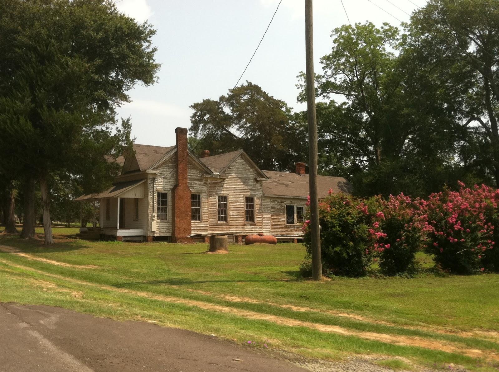Beautiful old farm house for randy pinterest for Vintage farmhouses
