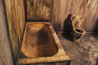 Baño sucio y mugriento