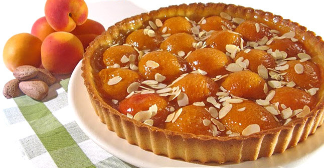 french food friday tarte aux abricots. Black Bedroom Furniture Sets. Home Design Ideas