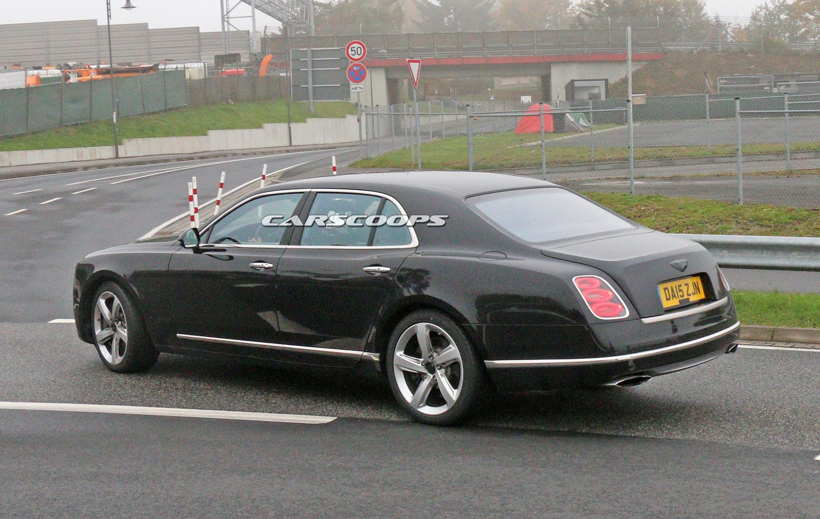 2009 - [Bentley] Mulsanne - Page 10 2017-Bentley-Mulsanne-FL3
