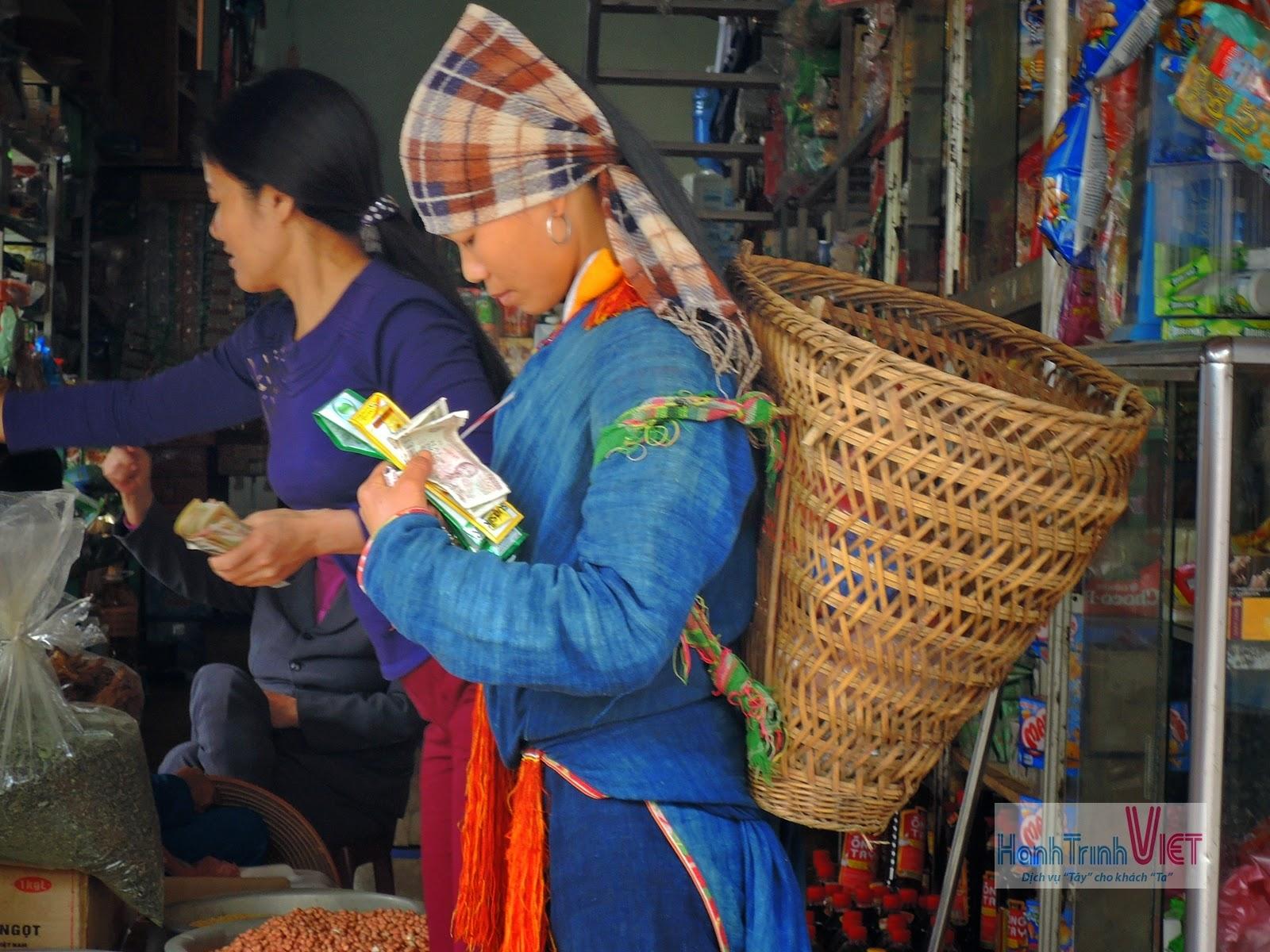 Tham quan chợ Mường Lò ở Nghĩa Lộ
