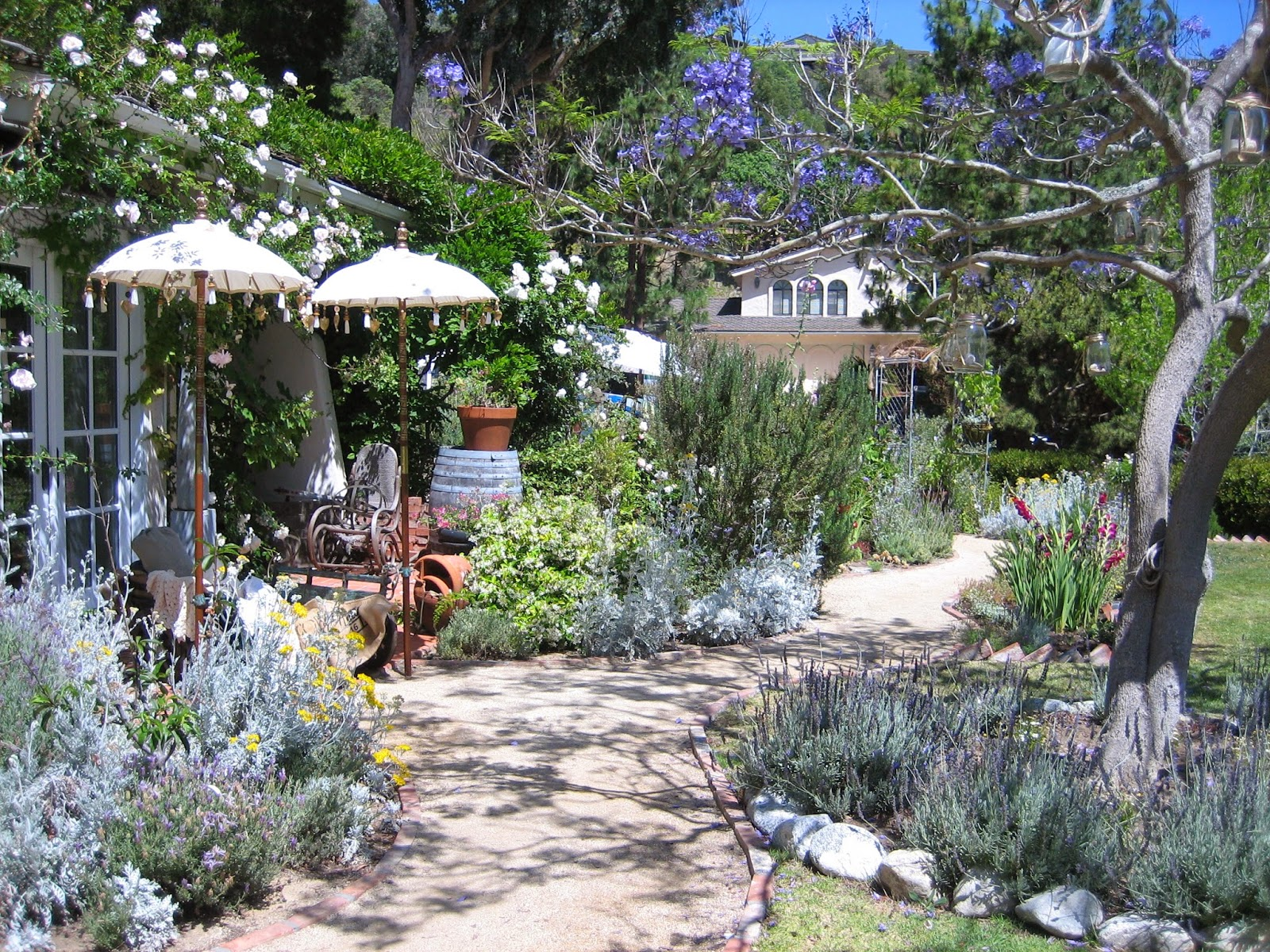 Vignettes antiques encore magique dans le jardin for Jardin encore