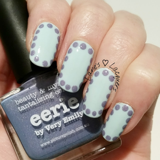 40-great-nail-art-ideas-pale-blue-base-dots (2)