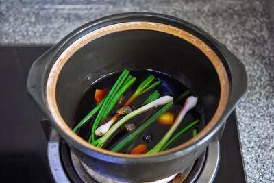 Món đùi GÀ OM xì dầu đậm đà đơn giản 1