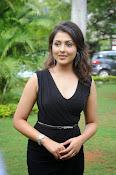 Madhu Shalini glam pics-thumbnail-2