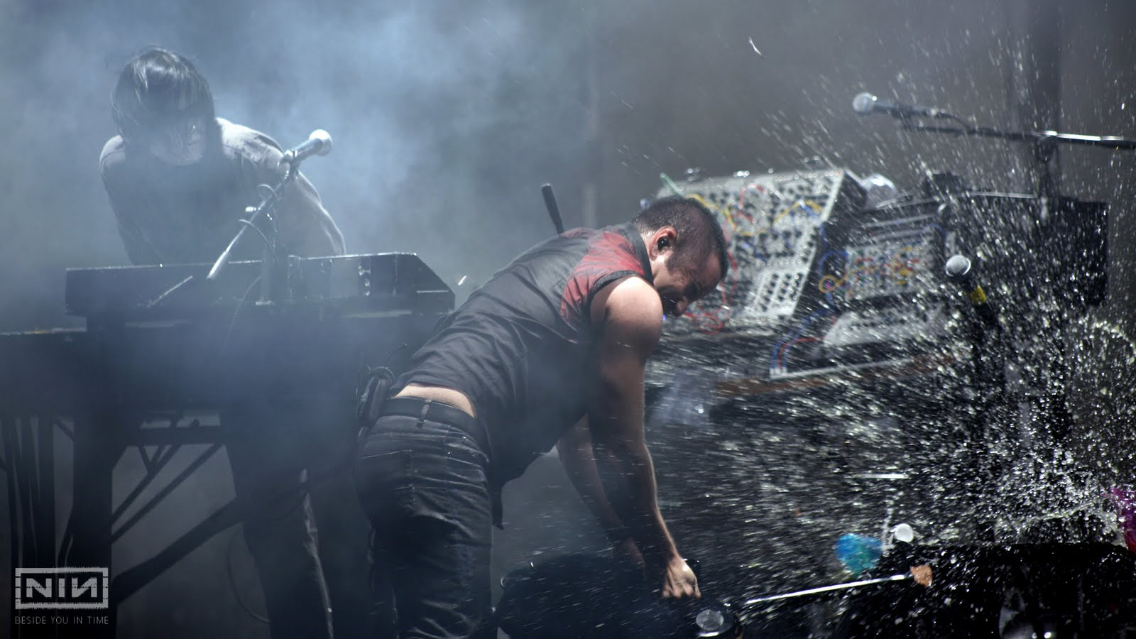 Liana Conis Blog: nine inch nails hd