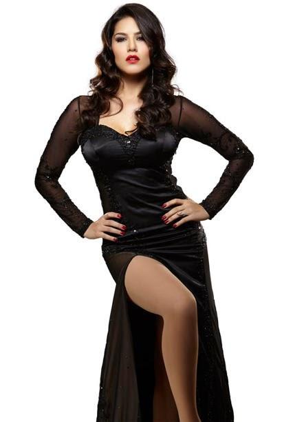Splitsvilla 7 host Sunny Leone Hot Wallpaper in bikini