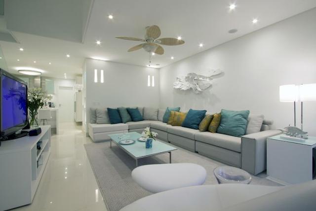 Salas de estar amplias living grandes diseno de interiores for Sala grande
