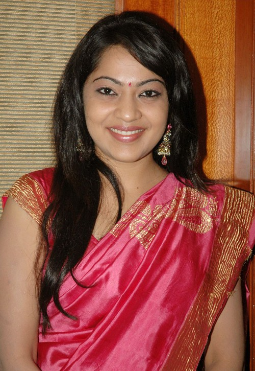 Ramya In Pink Saree Vijay TV Anchor Picture Gallery Photos Images