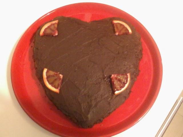 cuore di cioccolato e arance