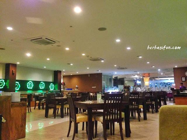 lombok plaza