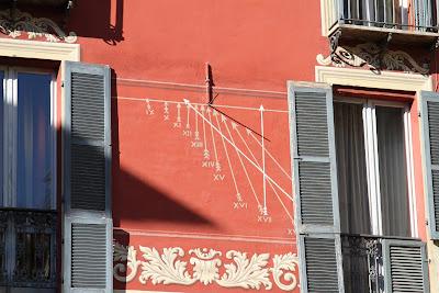 Sundial 3 in Piazza San Pietro, Mondovì - Hours Since Last Sunset