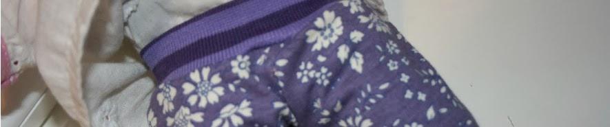 http://pralerier.blogspot.dk/2010/09/bukser-til-dukkebarnet.html
