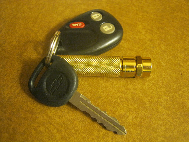 Sunwayman R01A on my truck keychain