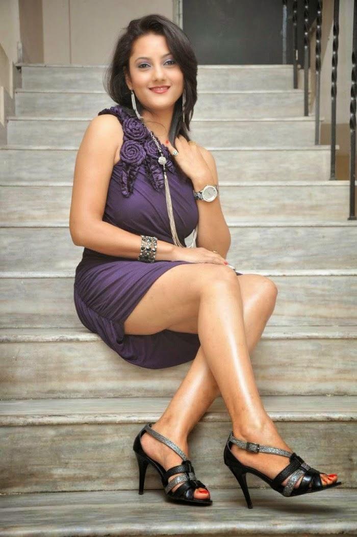 Indian Actress upskirt photoshoot - Indian Stuff