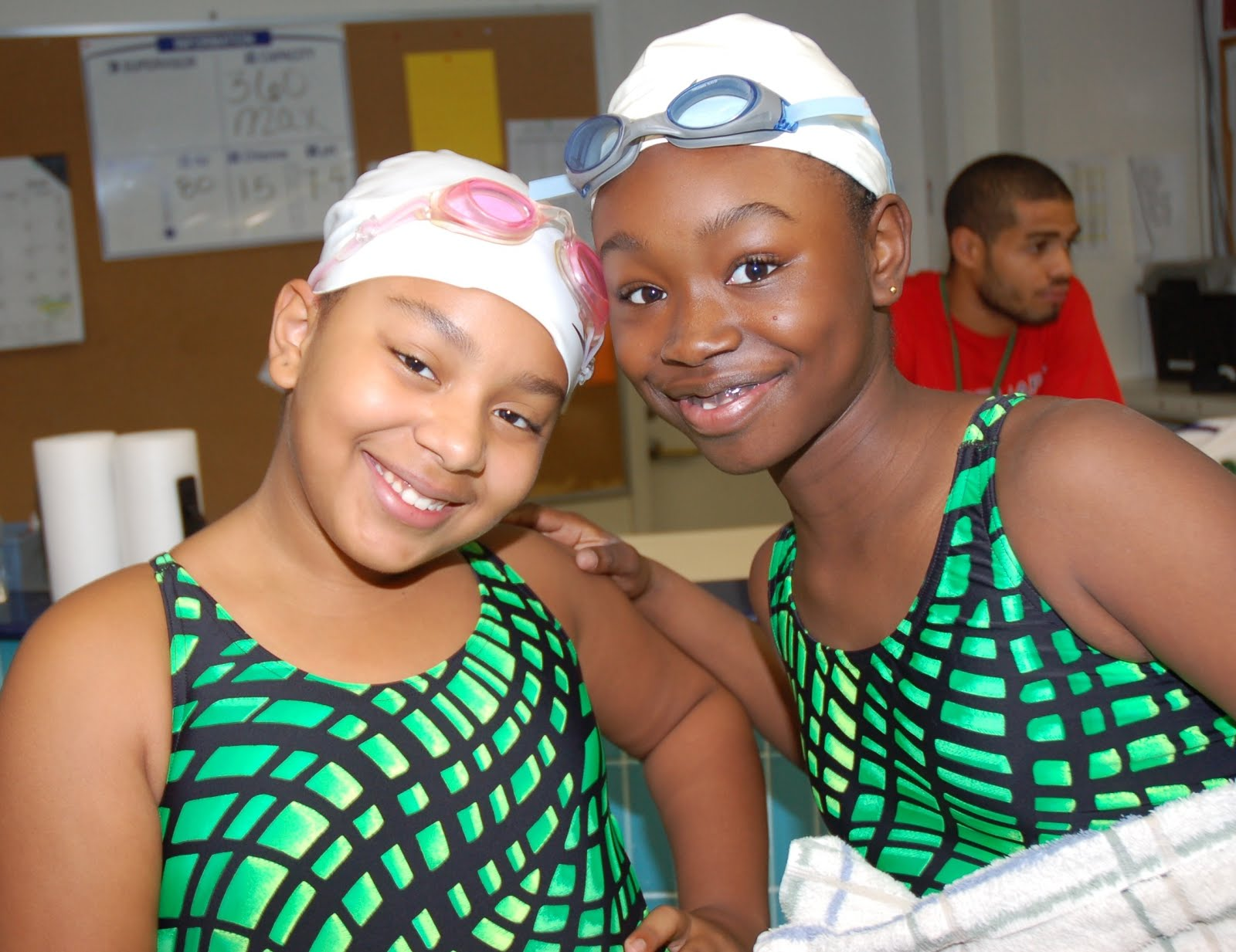 swim%2Bfree%2Bdolfin%2B2 Teens are now getting pregnant at a higher rates than before ...
