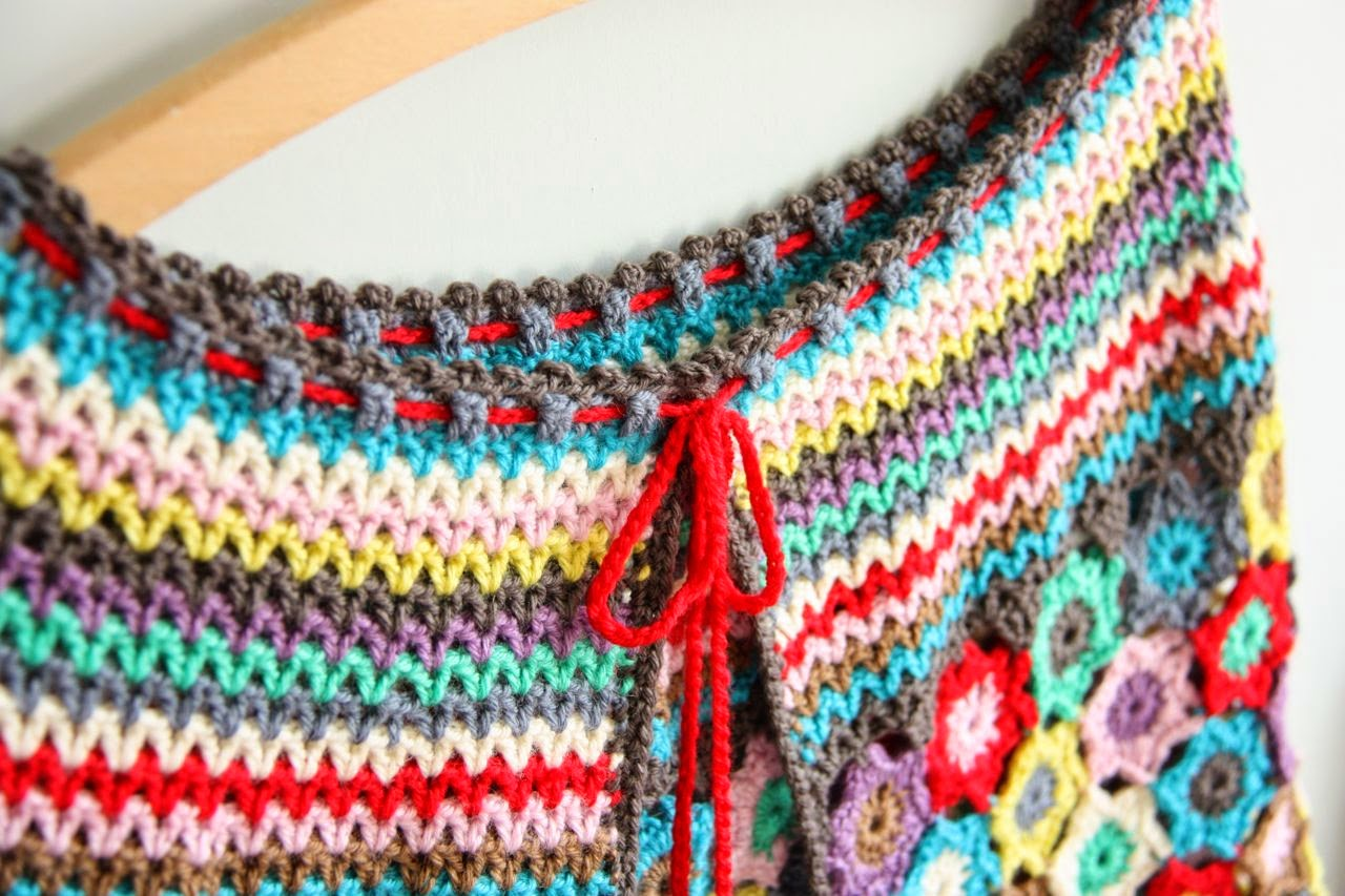 Boho Crochet Patterns : Cherry Heart: Close up of Boho Stars Cape neck line