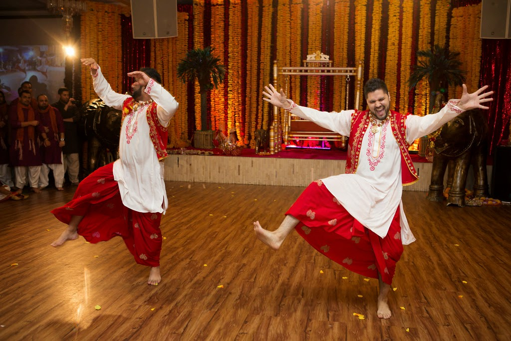 indian wedding, mehndi, dancing