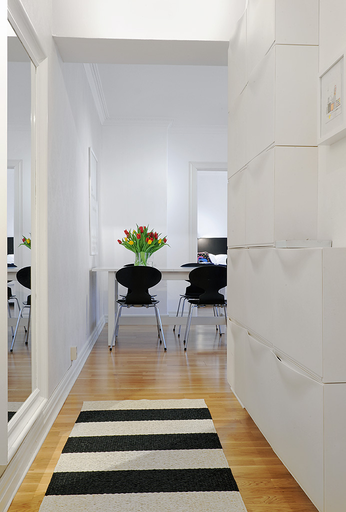 Boho deco chic piso de la semana rayas en blanco y negro for Alfombras recibidor