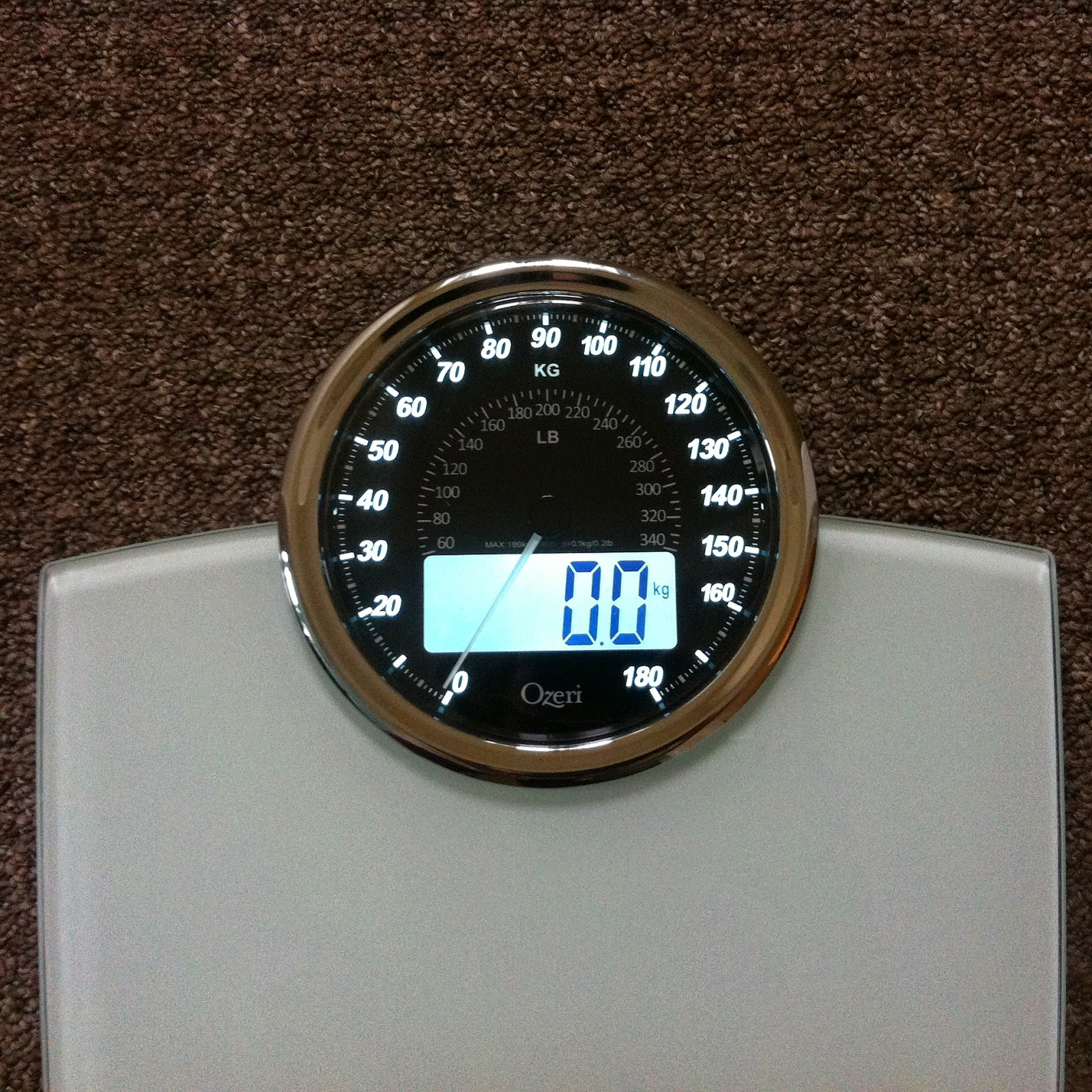 Retro bathroom scales - The Scales Can Weigh Up To 180 Kg 400 Lbs And It Will Calibrate Itself Automatically And Also Automatically Turns Off To Conserve Battery Life