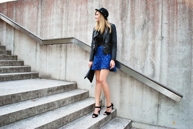 skater skirt, Zara, royal blue, strappy sandals S.Oliver, wool hat, fedora hat, H&M hat, chain necklace, primark crop top, fashion blogger, fashion blog