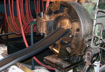 extruder karet seal pintu air 15m