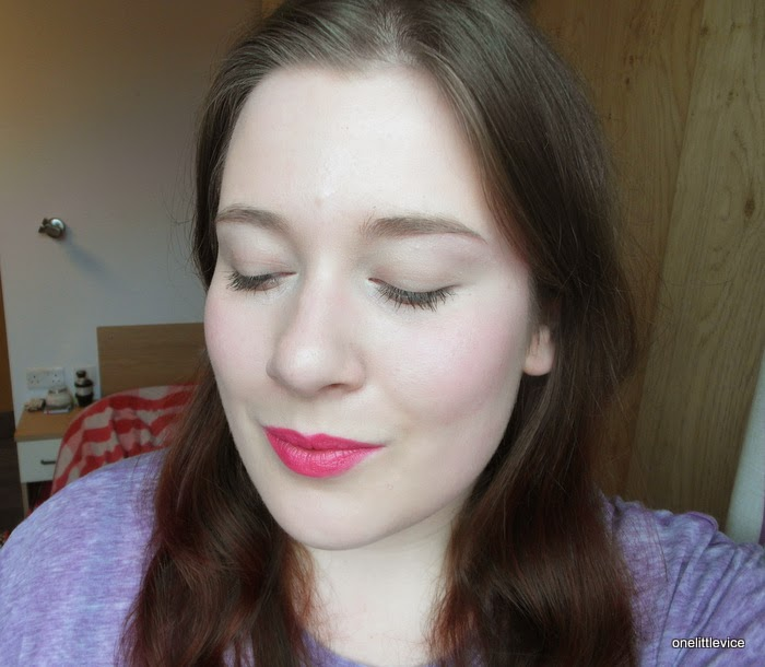 makeup look featuring mac impassioned colour