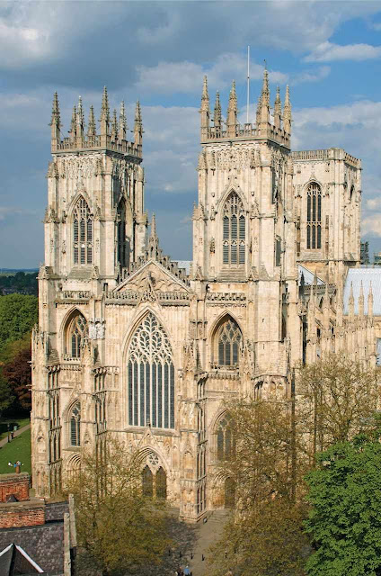 York: fachada principal