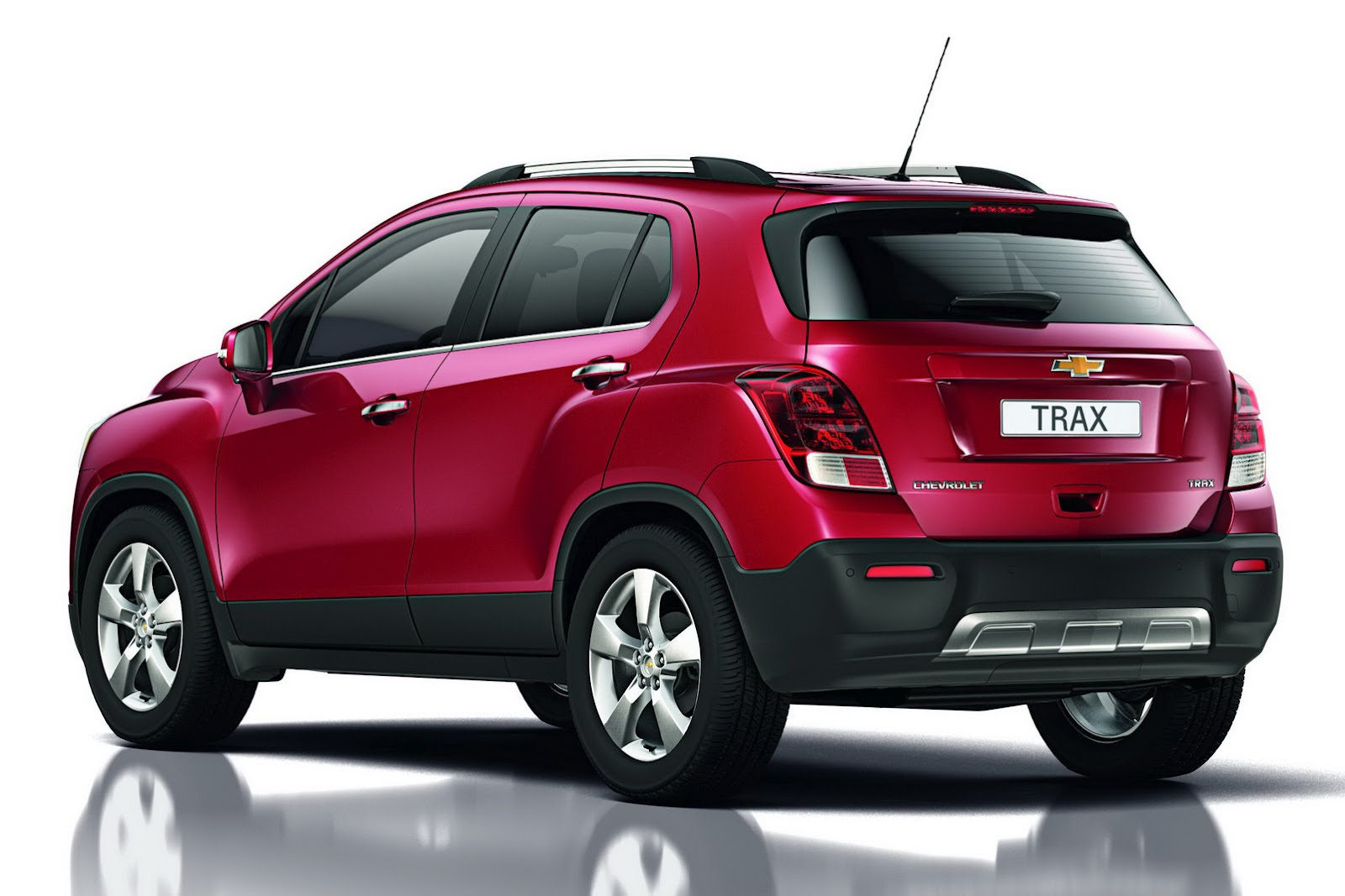 Chevrolet Tracker For Sale Chevrolet Trax - This Car was also displayed in Paris Motor Show ...