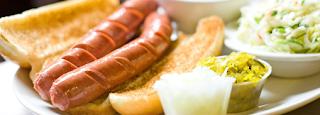 CARA MEMASAK;  - buat adonan puff pastry menyerupai roti hot dog. Masukan daging sapi didalam roti tersebut  - baker di dalam oven hingga kecoklatan