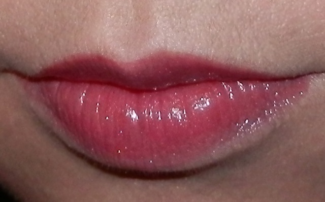 themakeupnut: Rose On and On – L'Oreal Color Caresse Wet Shine ...