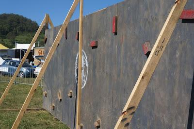 Spartan Race. Escalar un muro vertical