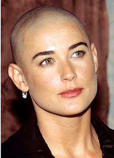 Selebriti Wanita yang Pernah Tampil Botak
