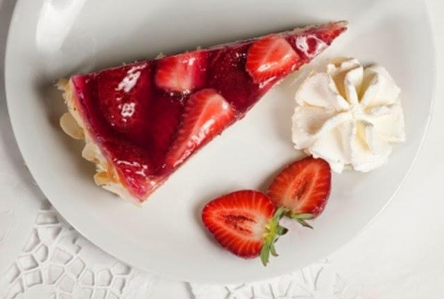 Torta con Crema de Fresas