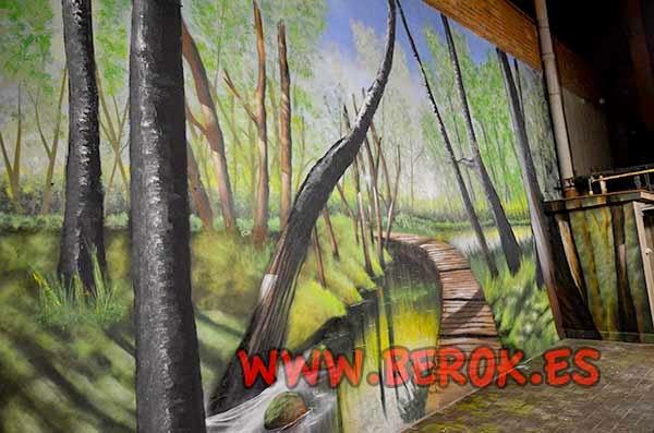 Mural de bosque con camino