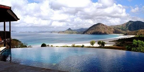 View Pantai Selong Belanak dari Villa