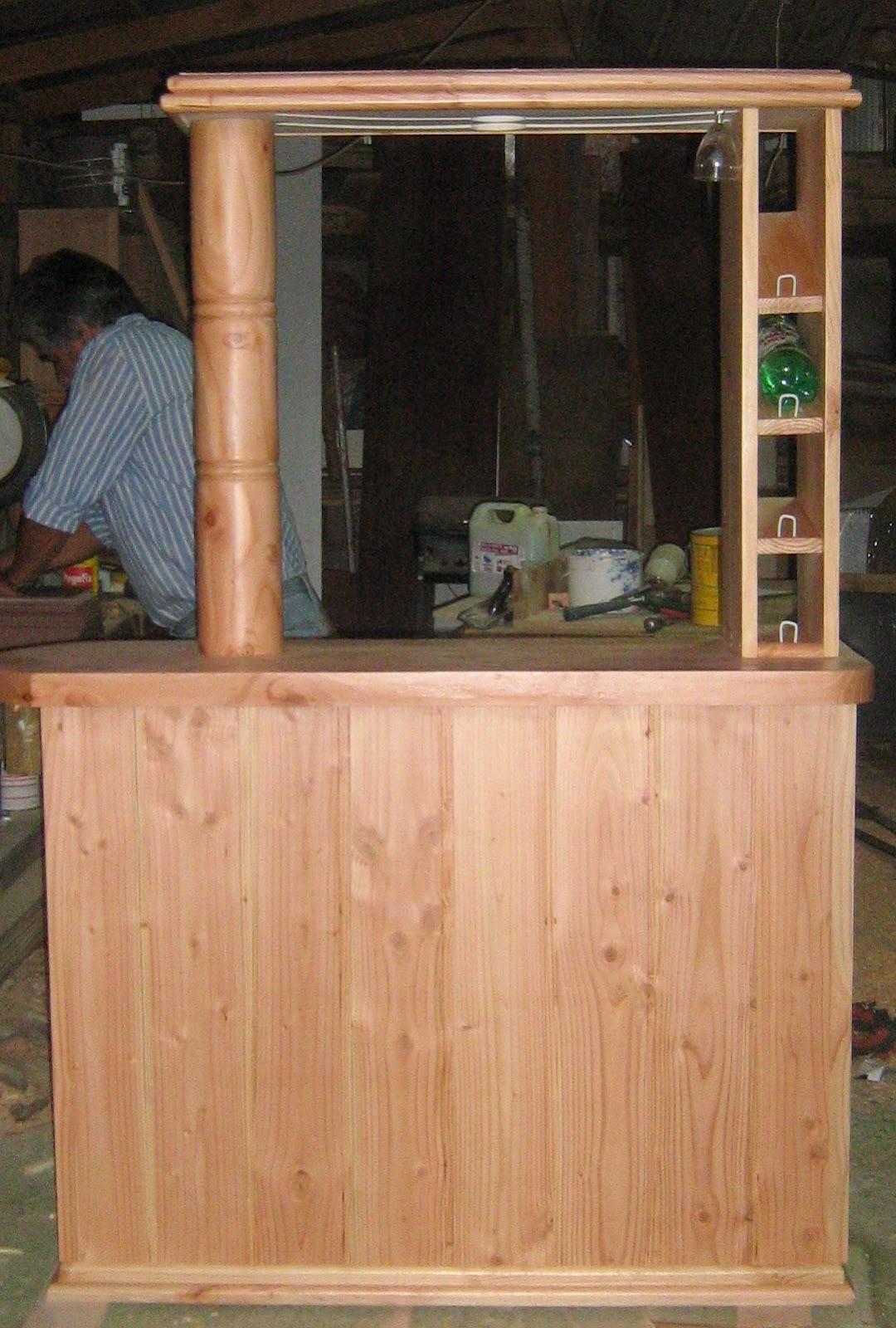 Bar fabricaci n de muebles puertas y ventanas en osorno for Bar de madera chile