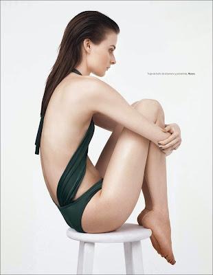 Vasilisa Pavlova hot in sexy swimwear for model of L'Officiel Mexico photoshoot
