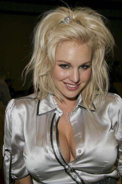 Hot Model Christi Shake
