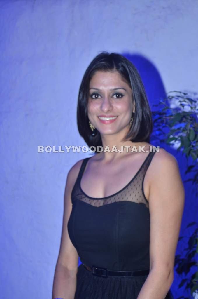 , Shilpa Saklani Hot Pics - 2012