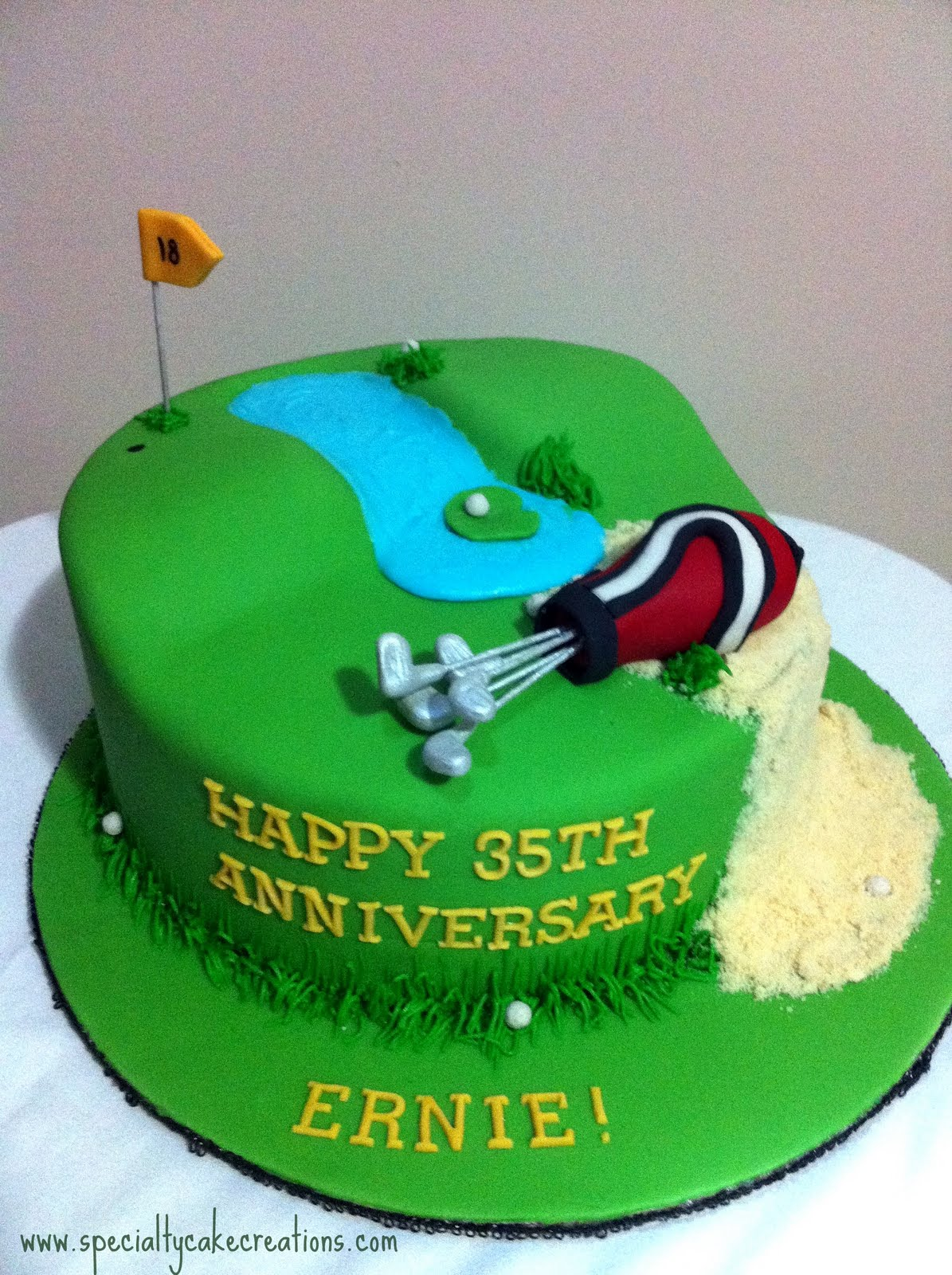 Cake Images Golf : Specialty Cakes: Specialty Golf Course Cake