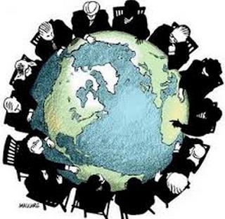 Pengertian Keunggulan Komparatif, Keunggulan Absolut, Perdagangan Internasional Beserta Teorinya Menurut Para Ahli.