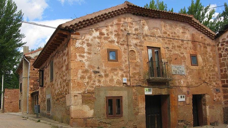 Casa rural santa coloma en albendiego guadalajara - Casas de pueblo en guadalajara ...