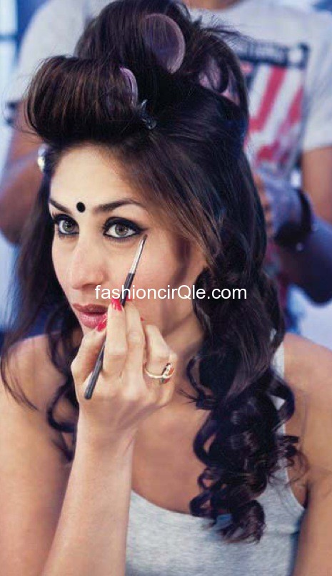 Kareena Kapoor make up room - (15) - Kareena Kapoor on the sets of Halkat Jawani - Unseen Pics