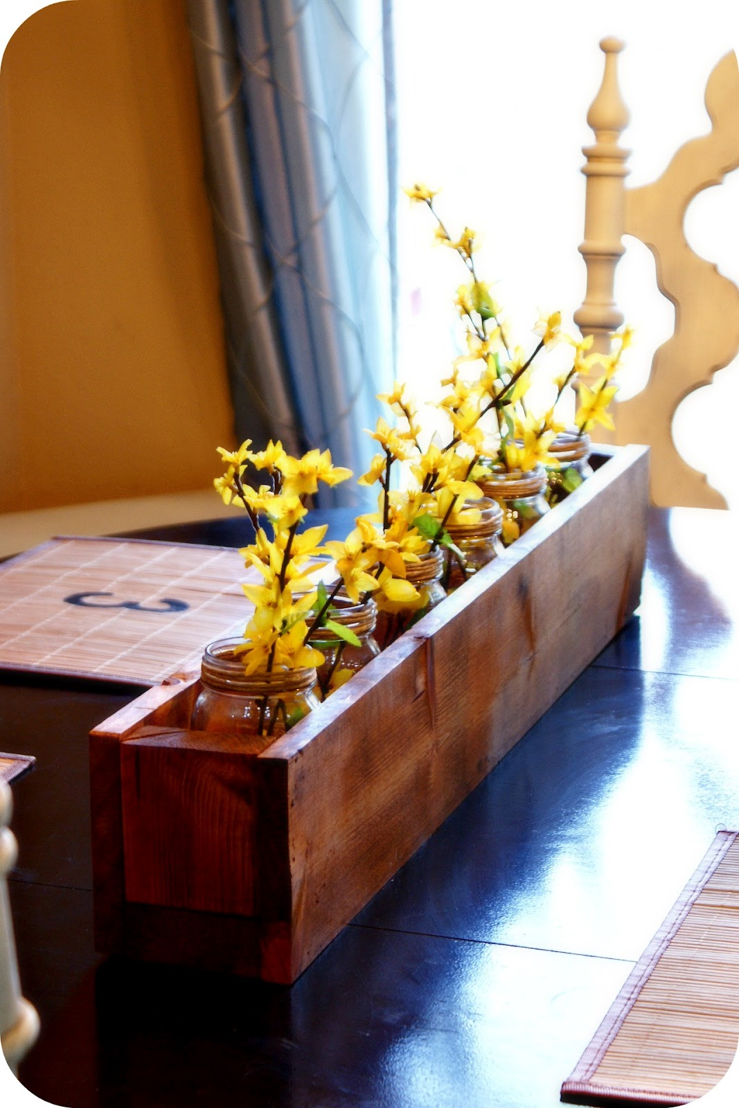 i heart my glue gun cute diy planter box centerpiece. Black Bedroom Furniture Sets. Home Design Ideas
