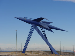 """cohete nave espacial ovni vehiculo PTR -- Parque Tecnológico de Reciclado """"López Soriano"""" Zaragoza"""